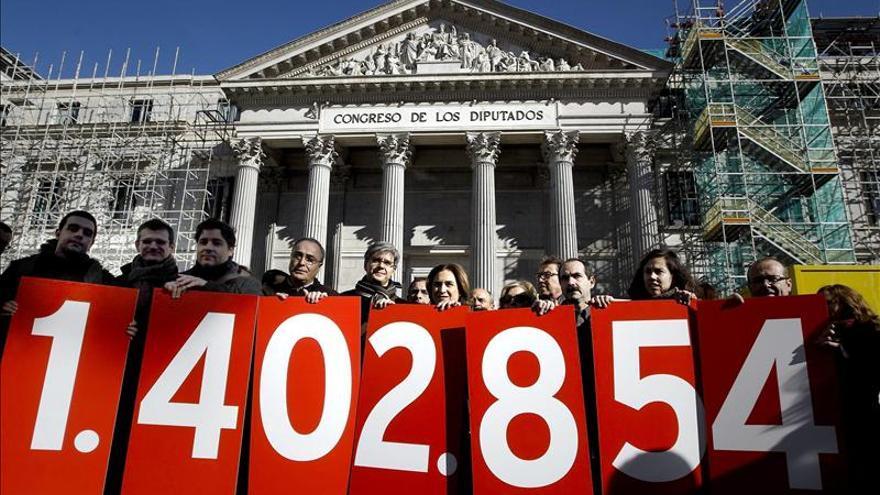 La Plataforma de Afectados por la Hipoteca denuncian que hay un déficit democrático si rechazan sus demandas