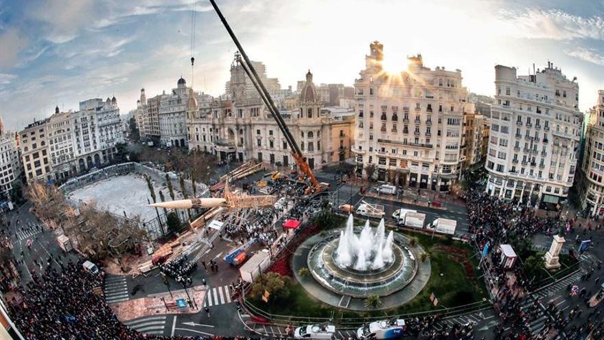 Emergencias y el Ayuntamiento de Valencia piden retrasar la plantá por el temporal