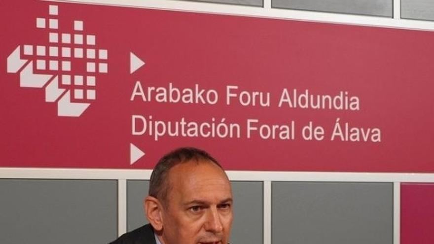 """El diputado general confía en que la recaudación mejore en Álava tras un retroceso """"coyuntural"""""""