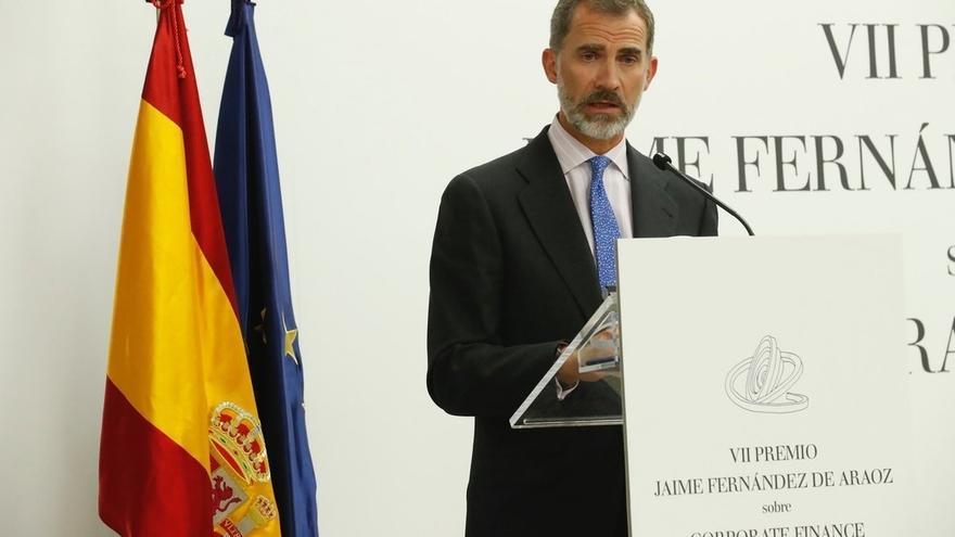 """El Rey apuesta por I+D y emprendimiento para la economía, que aún tiene """"riesgos"""" externos e internos"""