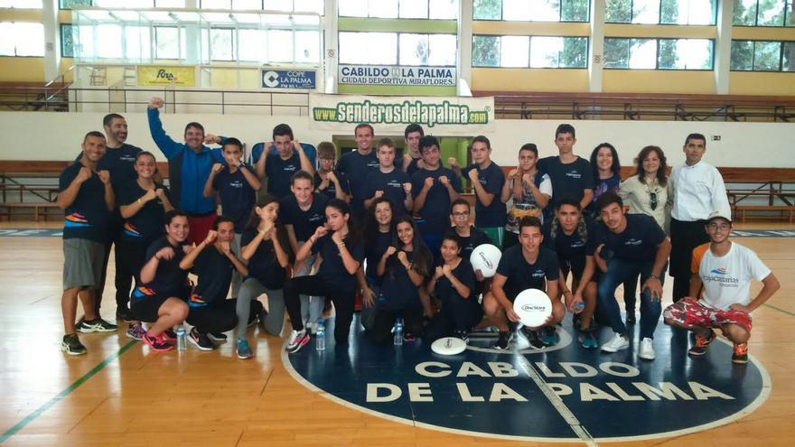 Los alumnos participaron en actividades de atletismo, ultimate y cardiobox, obteniendo herramientas para alcanzar un equilibrio de salud y bienestar óptimo. Foto: Fundación CajaCanarias.