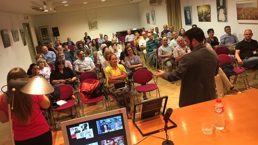 Público de la charla 'No somos perfectos' / Ciencia a la Carta