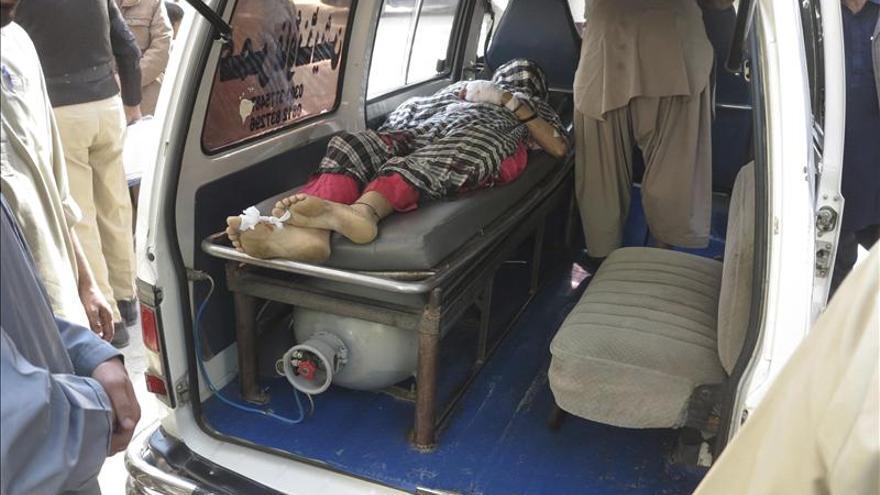 Asesinan a cuatro miembros de un equipo contra la polio en Pakistán