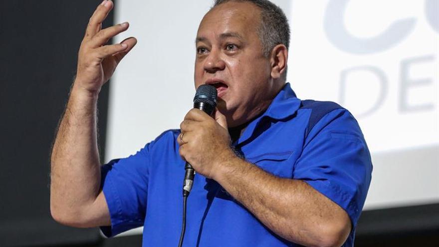 Cabello denuncia que la oposición importa material para las protestas en Venezuela