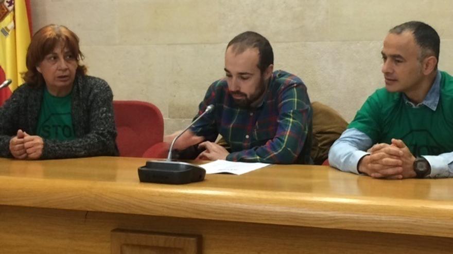 La PAH busca el apoyo de los grupos del Parlamento de Cantabria para su ley de vivienda