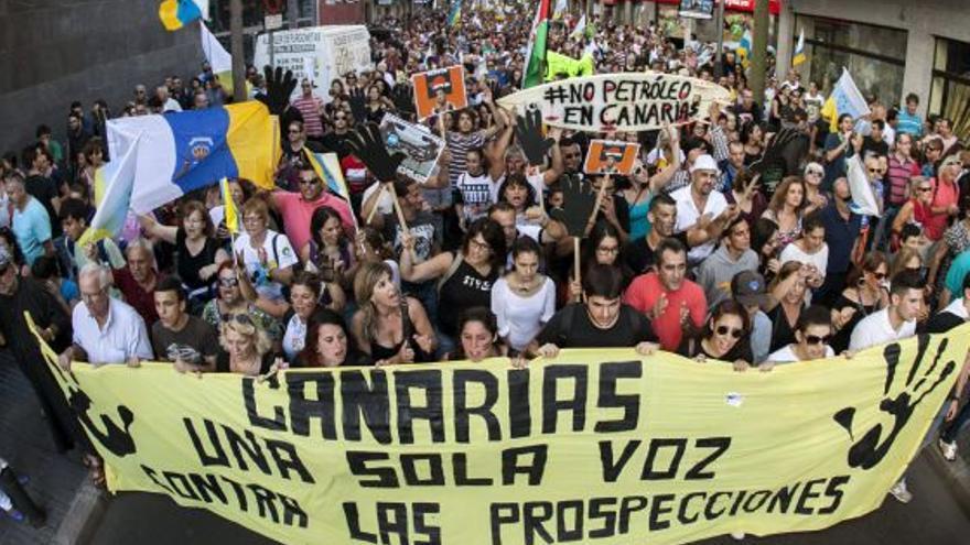 Manifestación en contra de las prospecciones en Las Palmas de Gran Canaria., EFE/Ángel Medina