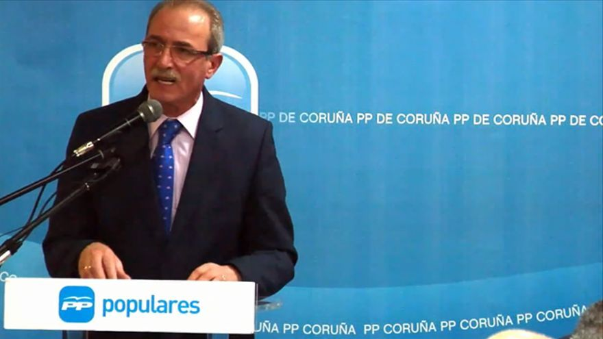 El diputado y ex director de una sucursal de CaixaNova, en un mítin del PP en Galicia