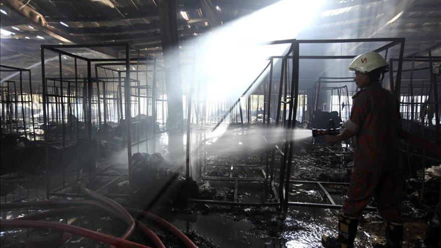 Al menos 6 muertos y 10 heridos en un incendio en una fábrica textil en India