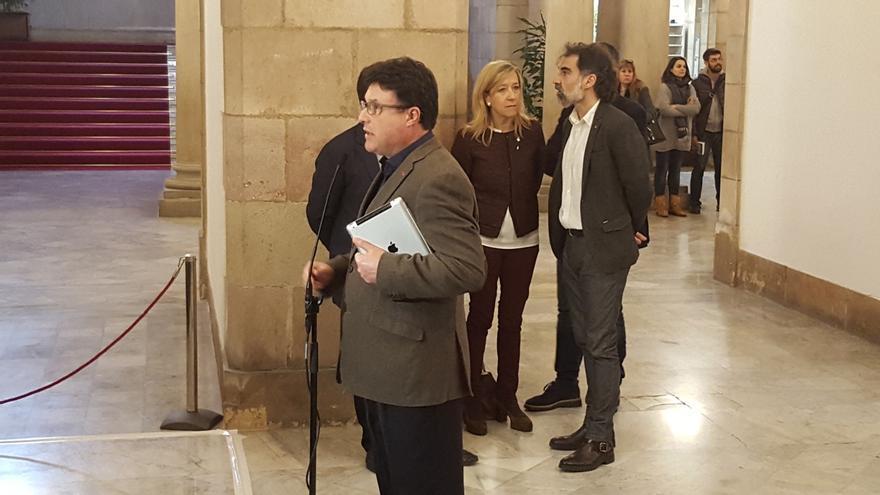 """Nuet (EUiA) entra a la reunión sobre el referéndum confiado en que será """"un éxito"""""""