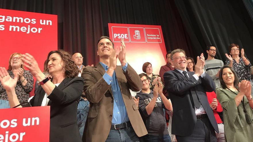 Pedro Sánchez junto a Ximo Puig en Alzira