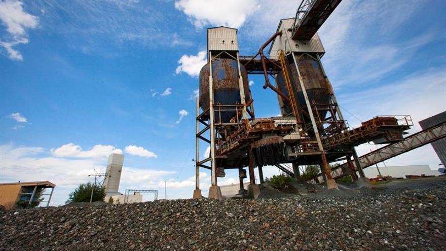Canadá anuncia que prohibirá la producción y uso del amianto en 2018