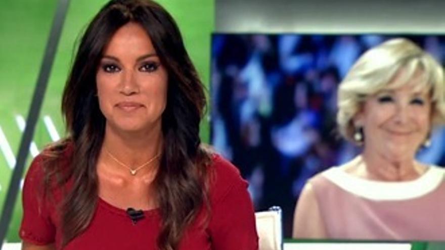 Cristina Saavedra no puede evitar sonreír con la noticia de Aguirre en libros de texto