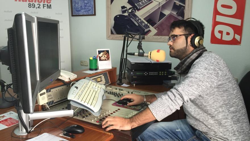 Estudios centrales de Radiolé Costa de la Luz, a donde acudió el inmigrante.