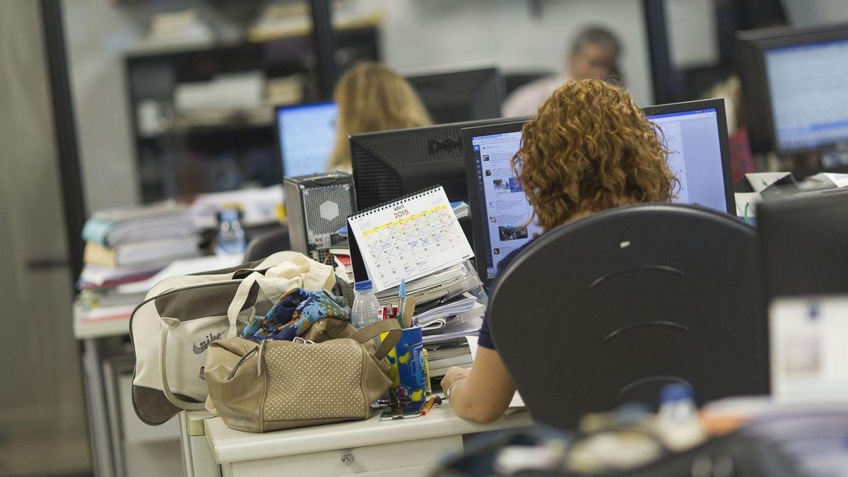 Imagen de archivo de una trabajadora