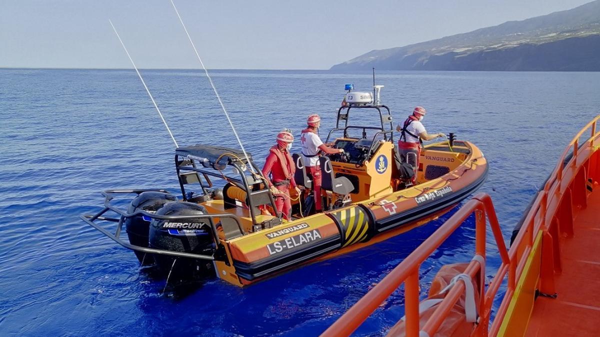 Embarcaciones que participan en la búsqueda. Foto:  SALVAMENTO MARÍTIMO