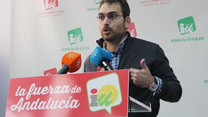 """IU-CA pedirá explicaciones en el Parlamento sobre los altos cargos de la Junta """"imputados"""" y critica el """"paripé"""" de C's"""