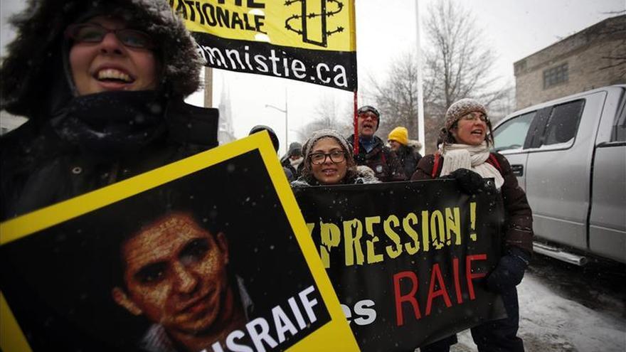 RSF y AI reclaman la liberación inmediata del bloguero saudí Raif Badawi