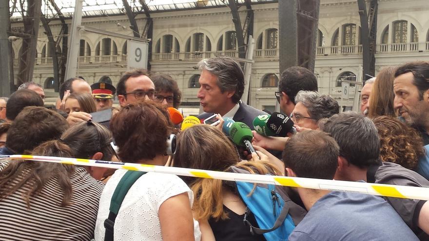 El ministro de Fomento asegura que el tren pasó la última revisión hace diez días