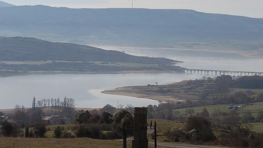Cantabria apoya la recuperación del puente Noguerol sobre el Pantano del Ebro