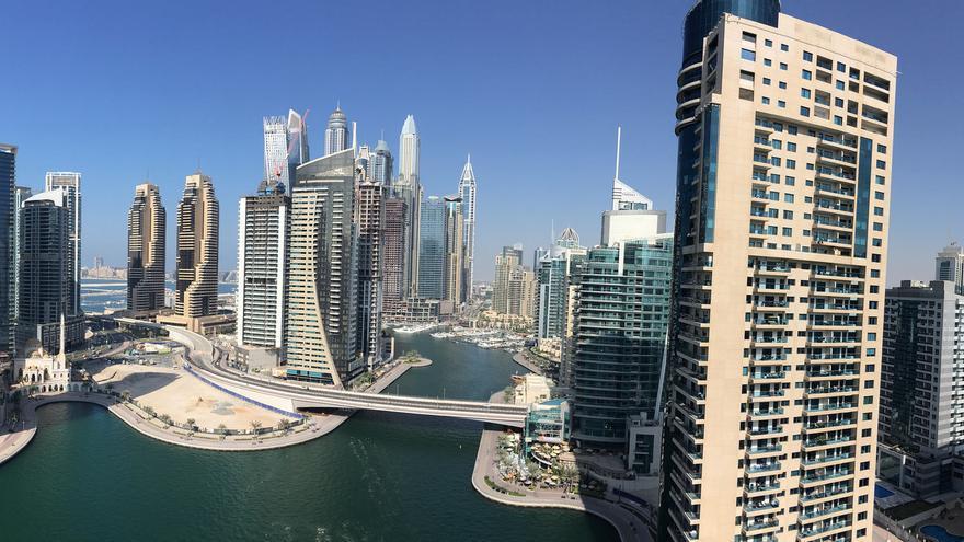 Rascacielos en la Marina de Dubai. La ciudad crece en una carrera hacia la desmesura que lo alcanza todo. Sergei Gussev