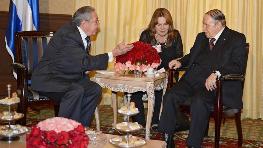 Castro concluye su visita a Argel destinada a ampliar lazos comerciales