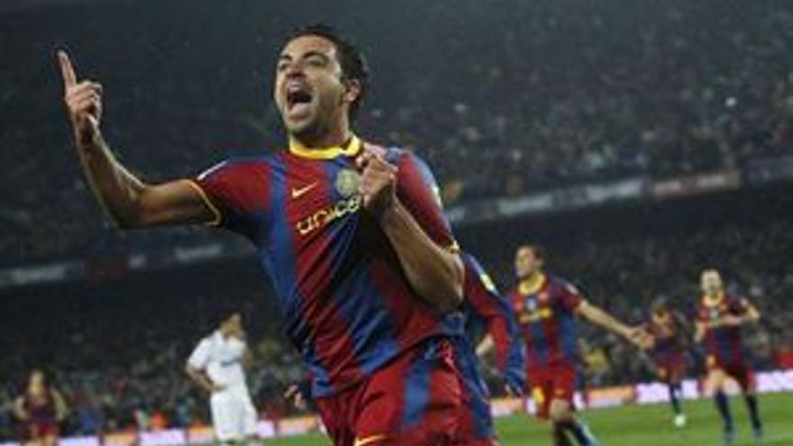 Xavi celebra el primer gol del Barcelona. (REUTERS)