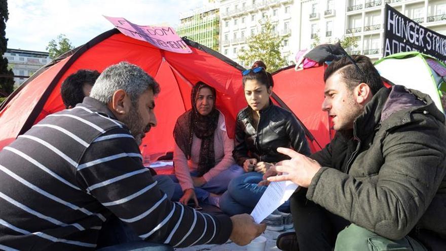 Refugiados reclaman la reunificación familiar con una huelga de hambre en Atenas
