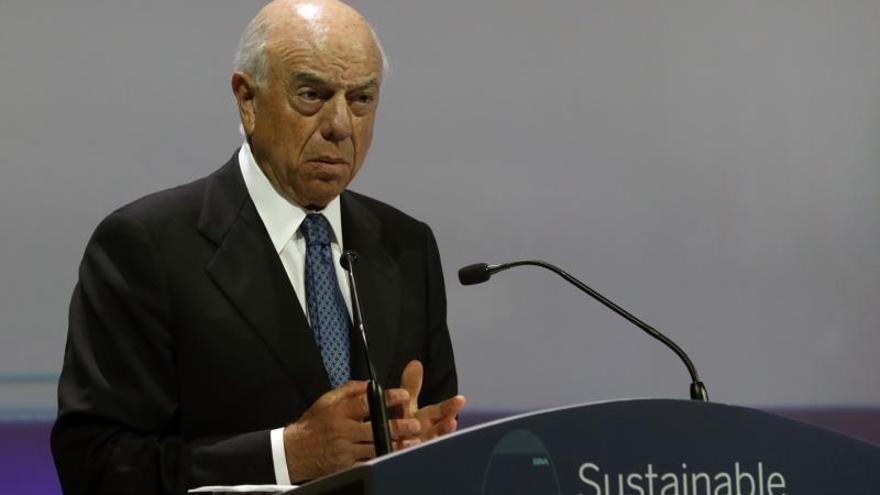 Francisco González recibió 5,5 millones en su último año en BBVA que se suman a 80 de pensión