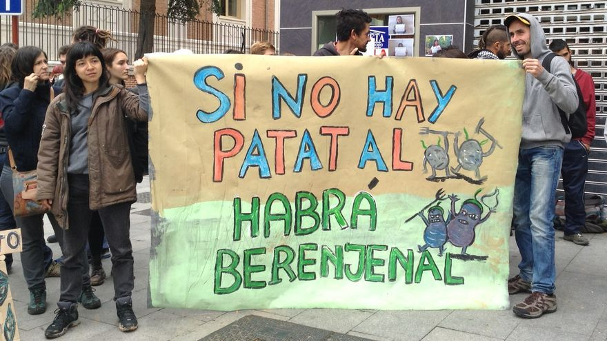 Pancartas de apoyo a los okupas de Fragua