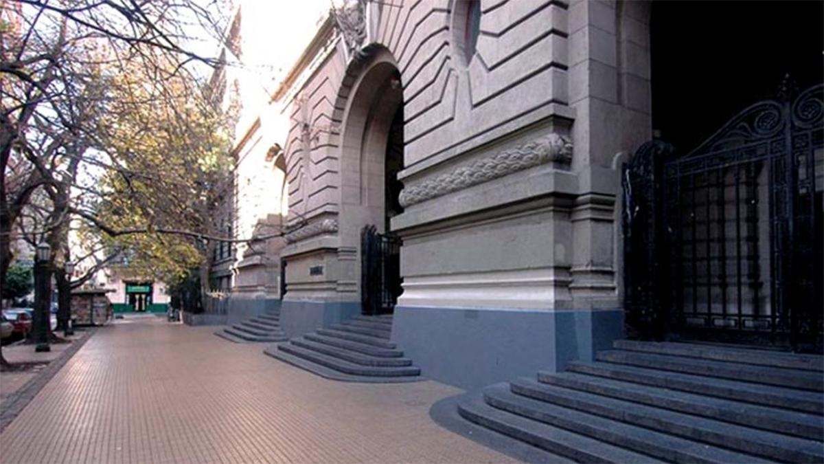 El Colegio Nacional Buenos Aires fue víctima de un robo durante las vacaciones de invierno.