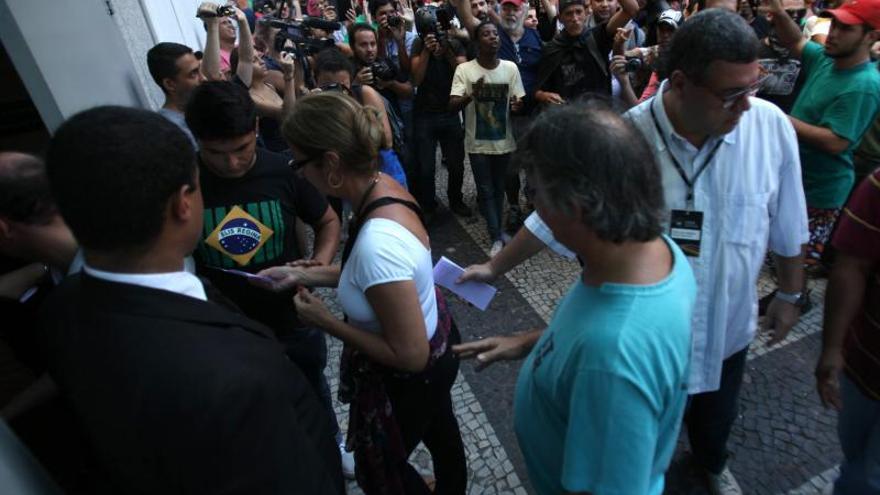Un 'rolezinho' el 19 de enero frente a un centro comercial de Río de Janeiro.