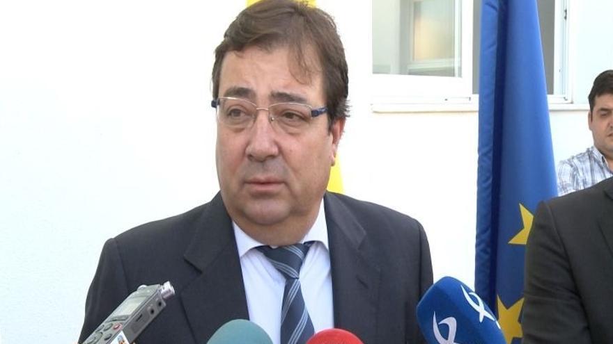 """Presidente Extremadura califica de """"obvio"""" el manifiesto de ex-ministros que pide ya un Gobierno"""