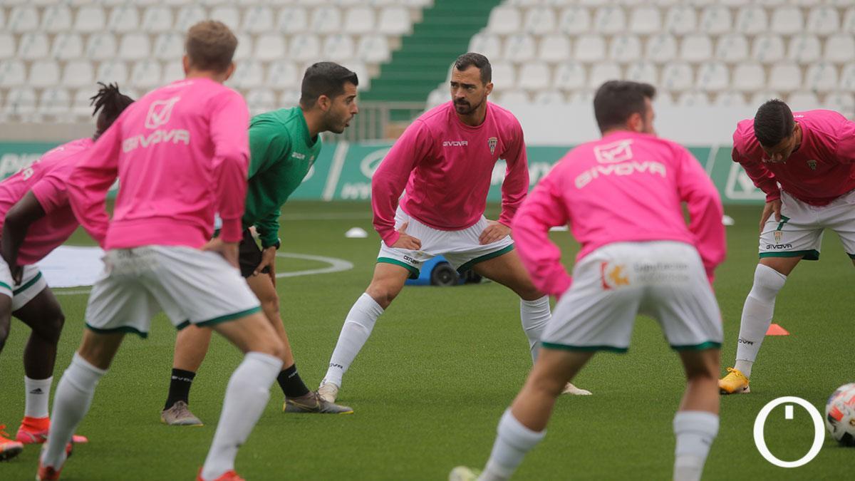 Jugadores del Córdoba durante un calentamiento