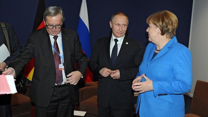 Merkel y Putin abordan la situación en Siria y la lucha contra el EI