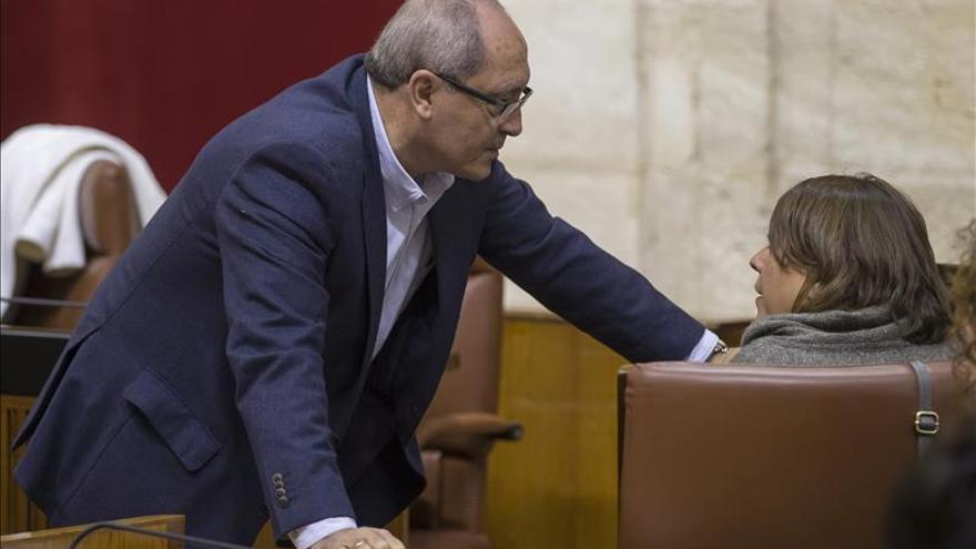 PSOE-A ve normal cesión parlamentarios pero ahora es inoportuno