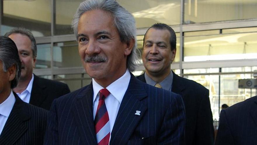 El presidente y la vicepresidenta guatemaltecos dejan demanda contra periodista