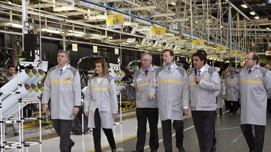 Rajoy revela que Renault decidió seguir en Valladolid por la reforma laboral