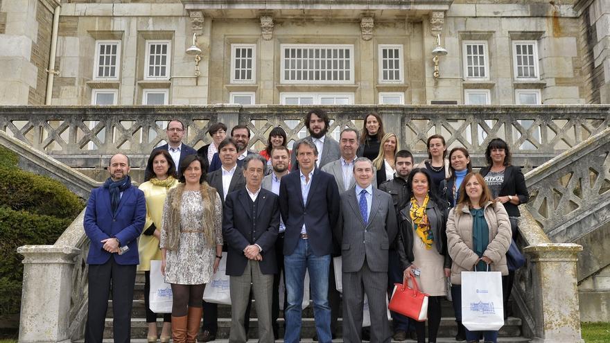 """El alcalde agradece a los embajadores de la ciudad su """"implicación en la promoción en el exterior"""""""