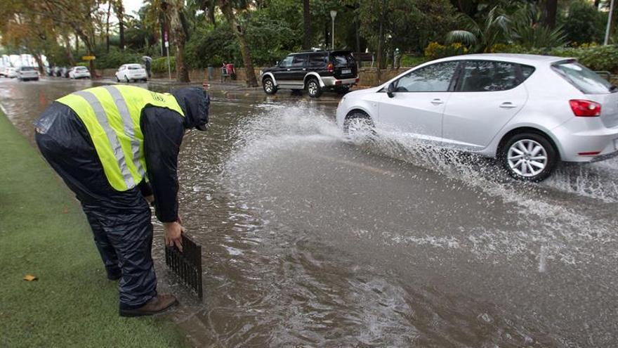 Las lluvias cortan dos tramos de vía férrea en Sevilla y Cádiz