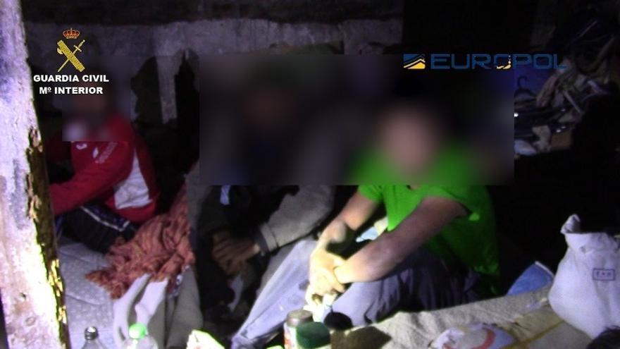 Liberan a 33 ciudadanos búlgaros que sufrían explotación laboral y vivían hacinados en pisos en condiciones insalubres