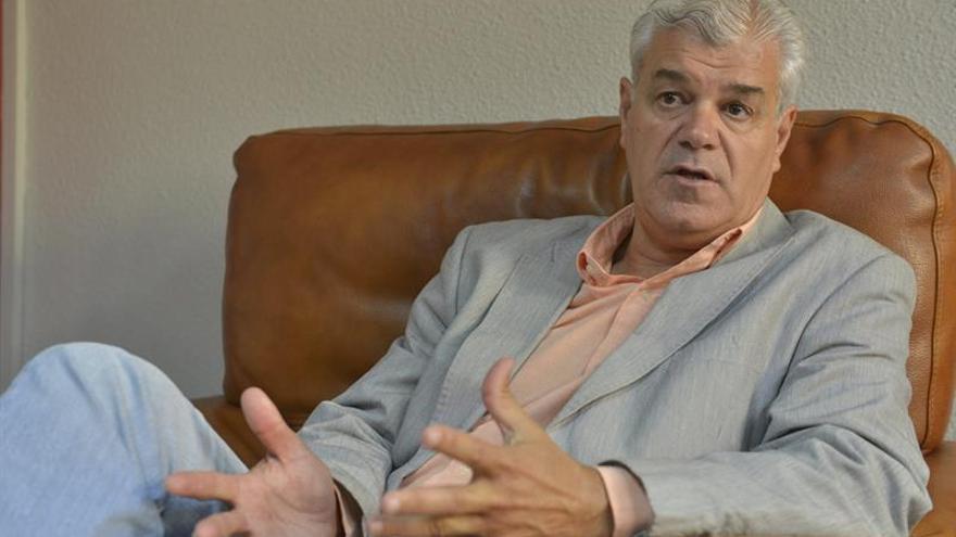 El presidente en funciones del Cabildo de El Hierro y líder de los socialistas herreños, Alpidio Armas. (EFE/Gelmert Finol)
