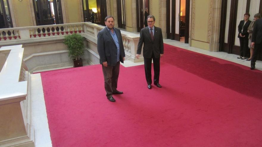 Mas empieza su ronda de contactos reuniéndose con Junqueras en el Parlament