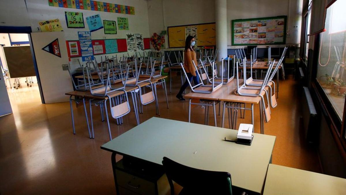 Catalunya aplaza la vuelta al colegio en enero al día 11 debido a la epidemia