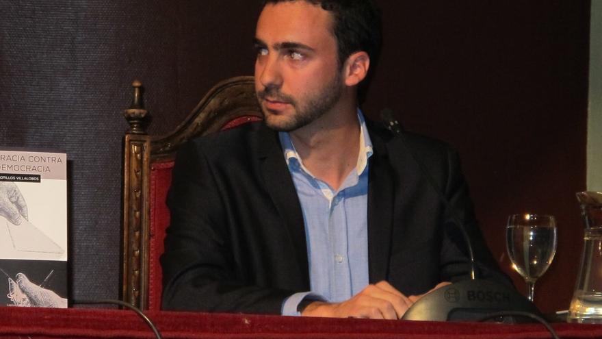 Alberto Sotillos en la presentación de su libro 'Democracia contra la democracia' / Foto: Facebook Democracia contra la Democracia