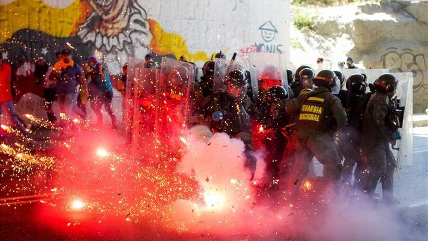 Siguen en investigación 14 de las 43 muertes en las protestas venezolanas de 2014
