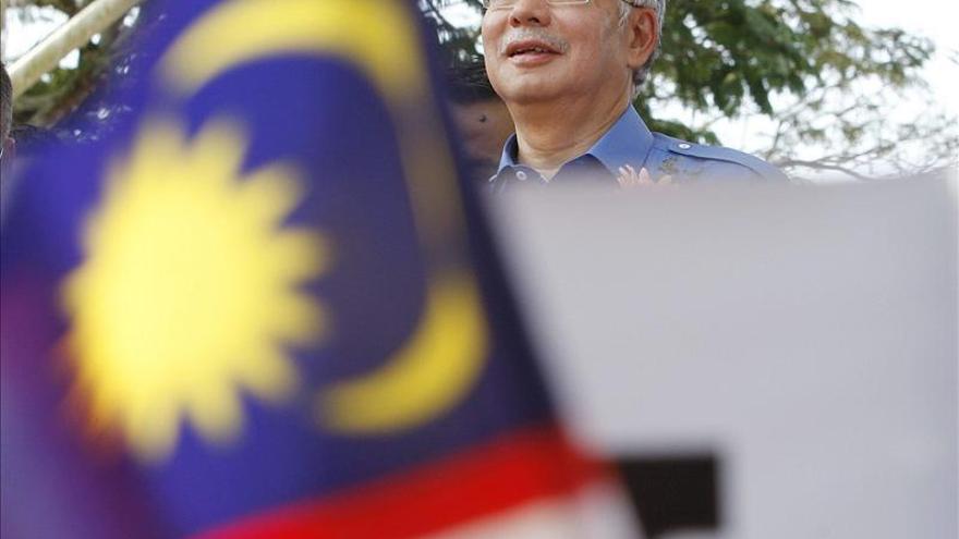 Malasia se prepara para votar un nuevo Parlamento en los comicios más reñidos