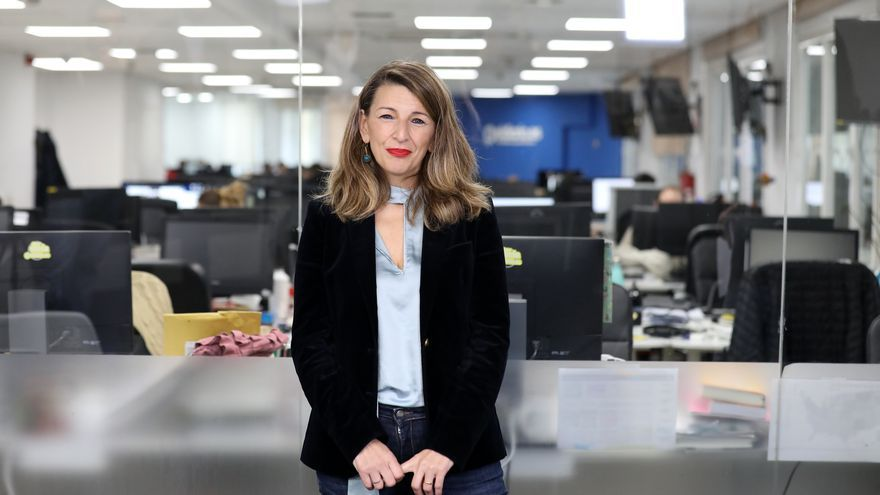 La ministra de Trabajo y Economía Social, Yolanda Díaz, en la redacción de eldiario.es.