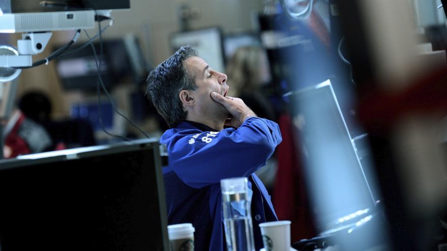 Wall Street sube un 0,14 por ciento a la media sesión a la espera de la Reserva Federal