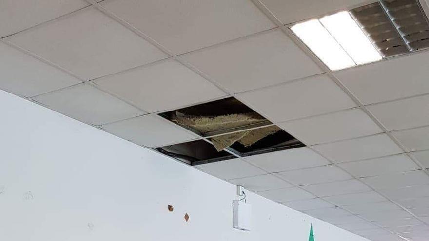 Algunos de los daños que presenta el colegio. Foto: AVIP