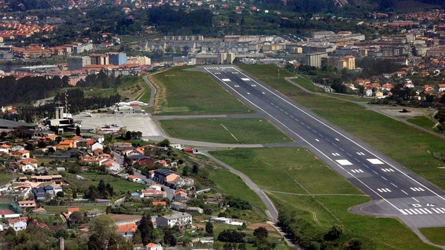 Anuncian paros parciales en la seguridad de los aeropuertos de A Coruña y Santiago